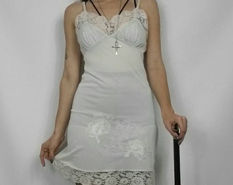 Vintage 1960s White Sheer Lace & Embroidered Slip / Nightgown / Dress size S