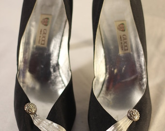 "Vintage ""Gucci"" Black Pumps"