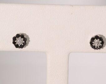 10K White Gold Black & White Diamond Stud Earrings. Vintage, Estate Floral Pattern.  ET232
