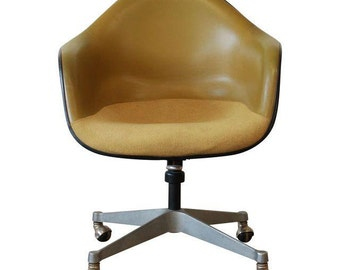 Original Charles Eames for Herman Miller Swivel Armchair