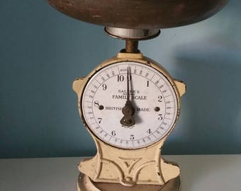 Very decorative antique Salters  improved family scale!