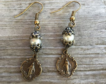 Miraculous medal earrings, french inspired