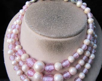 Vintage Chunky Triple Stranded Graduated Lilac & Off White Beaded Necklace