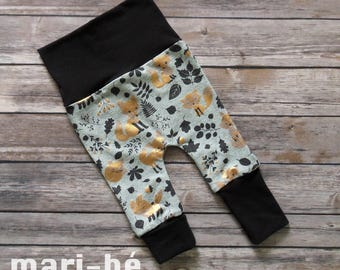 Grow-with-me pants GOLDEN FOXES Size small 3 to 12 months