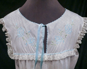 Vintage Barbizon Night Gown with Pale Blue Polka Dots and Embroidered Collar – So Kawaii ! Cult Party Kei Decora Fairy Kei