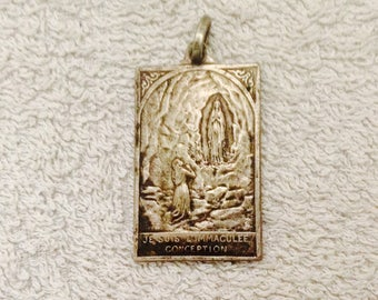 Lourdes Medal Apparition Lourdes Our Lady Speech to Bernadette Soubirous ( Ref No. A72 )