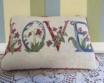 Pillow LOVE Style Victorian VTG Love Pillow Vintage cushion rectangular 12 x 9 in VINTAGECoussin Panel