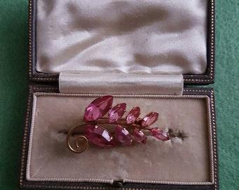 Vintage pink stone brooch goldtone