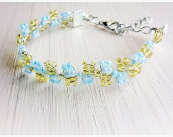Twisted Wire,Dainty,Flowers,Beaded,Wire,Braided,Bead Bracelet,Small,Blue,Sky Blue,Honey Yellow,Delicate,Unqiue,Cute,Pretty,Nature,Gift