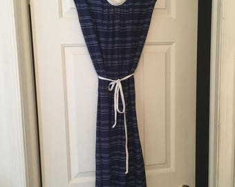 Vintage 1970s navy blue dress