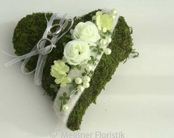 Ring pillow Moss heart white green