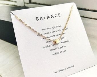 Tiny cube necklace, tiny gold cube necklace, cube necklace, dainty necklace, minimalist jewelry, geometric jewelry