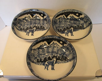 "Vintage set of three 6.5"" bowls from Folk Craft by Tienshan"