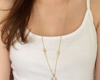 Long Crystal Deatailed Chain Boho Necklace with White Natural Stone Pendant