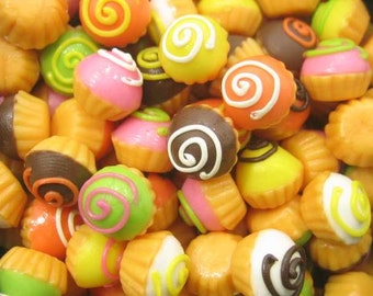Dollhouse Miniatures Food Lot 20 Mixed Cupcakes Bakery CupCake - 4246
