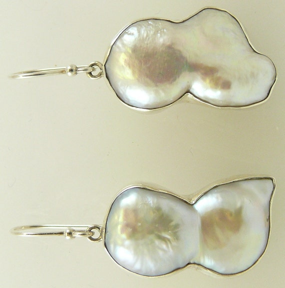 Freshwater White Pearl Earring set in Silver 11.2 g