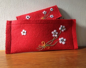 Red Felt Clutch Bag And Purse With White Small Flowers And Beads