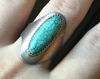 Beautiful vintage signed sterling silver turquoise ring