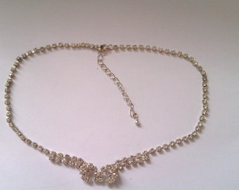 vintage silver coloured necklace