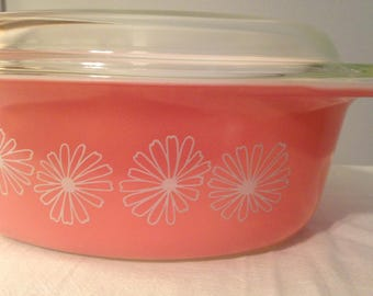 Pyrex Pink Daisy 045 Large Oval Casserole with Lid - 2 1/2 Quart Covered Baking Dish