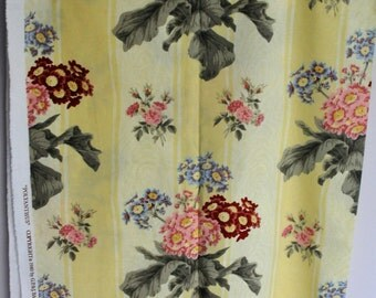 Vintage GP and J Baker fabric Polyanthus 1980 1 metre Unused