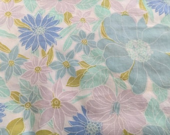 Vintage blue and white mod floral twin/flat sheet. Free shipping