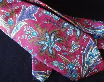 Men's Vintage Van Heusen Polyester Tie in Burgundy, Brown, Grey and Blue
