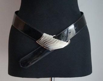 Black patent vinyl leather belt, low waist asymmetric drop belt, silver pin buckle, small size, vintage fashion accessories