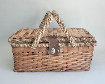 Woven Wood Picnic Basket With Floral Liner