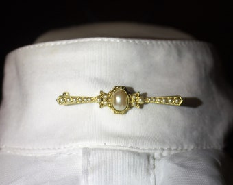 Vintage pearl accent stock pin/brooch. FREE shipping in the USA!