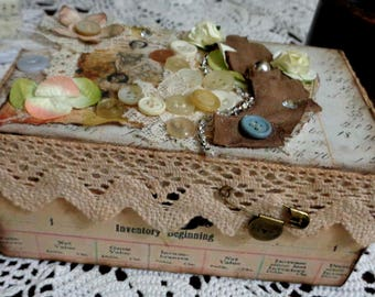Jewelry box, door balsa wood hand-decorated letters etc. style Shabby Vintage
