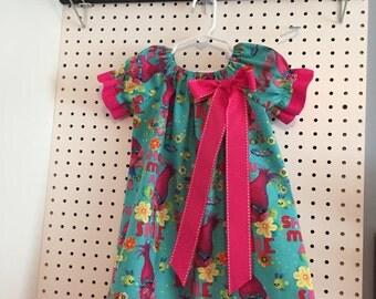 Trolls - show me a smile- poppy dress 3T, 4T - please designate a size