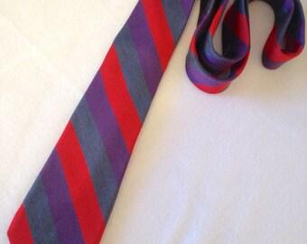 Original Penguin Munsingwear Skinny Slim Purple Red Gray Stripes Neck Tie