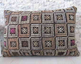 Embroidery Handwoven Vintage Kilim Rug Pillow Cover 16x24 Organic Decorative Floor Cushion Throw Pillow Bohemian Pillow 16x24 Turkish Pillow