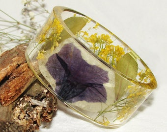 Flower Bangle, Nature Jewelry, Real Plants Bangle, Resin Bangle, Pressed Flowers Bangle, Real Flower Jewelry, Resin Jewelry, Resin Bracelet
