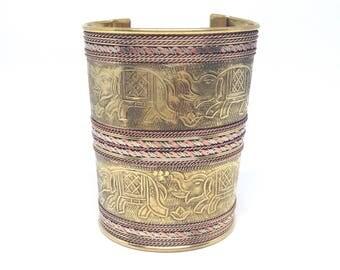 Gorgeous Gold Tone Egyptian Elephant Design Adjustable Antique Estate Cuff Bangle