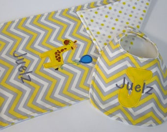 Personalized Bib and Burp Cloth Set - Yellow Giraffe for boy or girl, bib and burp cloth, monogrammed bib and burp cloth, Baby shower gift