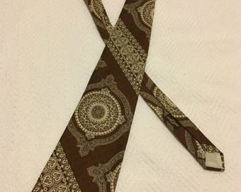 Vintage 1970s St. Leger Brown Paisley Texturon Polyester Wide Necktie