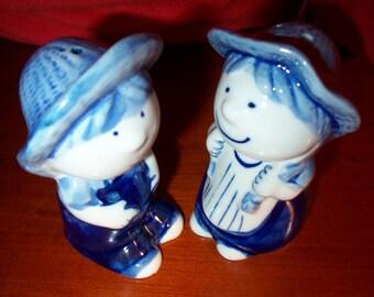 Blue Enesco Farmer Boy and Girl Salt & Pepper Shakers! Delft Blue Style, Blue Salt, Enesco Salt and Pepper, Ceramic, Country, Overalls, Cute