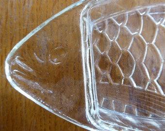 Vintage Glass Fish Shaped Dish, Serving Dish, Trinket Tray 0317036-171