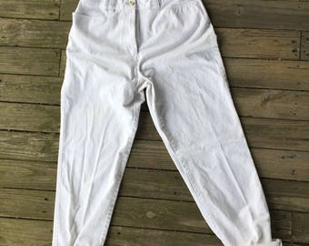 8 Tommy Hilfiger high waisted, tapered leg Tommy chinos