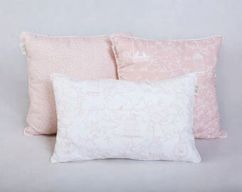 Three pillows light pink
