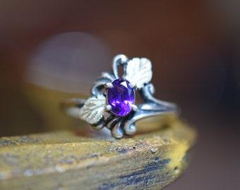 Purple Oval Gemstone Gold Plated Leaf Vintage Sterling Silver Ring, US Size 9.75