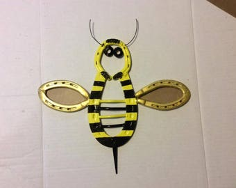 Wonderful Horseshoe Honey Bee / Garden Art / Fence Decor / Wall Decor