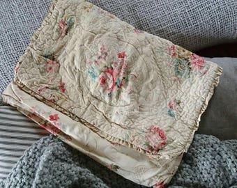 Vintage pyjama case. Lingerie case. Floral fabric folding case.