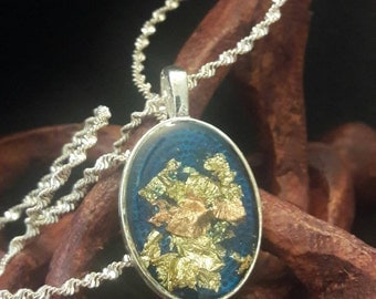 Midnight Shimmer:  Pendant blue with inlay