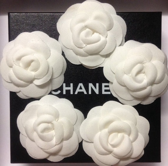 1x Authentic large Chanel fabric Camellias for hat or as brooch