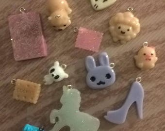 batch resin charms
