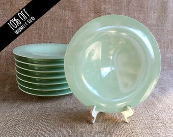 Tupperware plate set, Vintage Tupperware, Green, Lime, Pastel green, Bread Plate, 4574A-2, set of 8, Salad plates, Retro dining, Tableware,