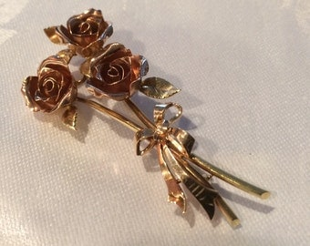 Gold Bouquet of Roses Brooch, Stunning!